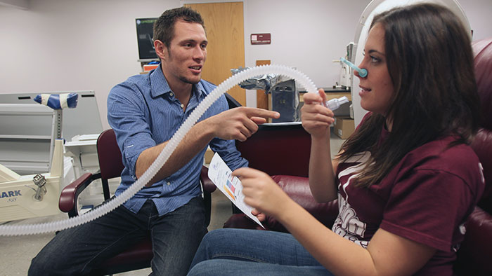 Missouri State students in a dietetics class participating in hands-on learning.